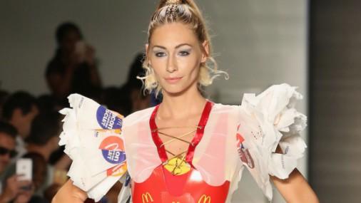 «McDonald's» mode: No ātrās ēdināšanas restorāna iepakojumiem radīti tērpi