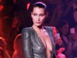 Модная битва: Кара Делевинь против Беллы Хадид