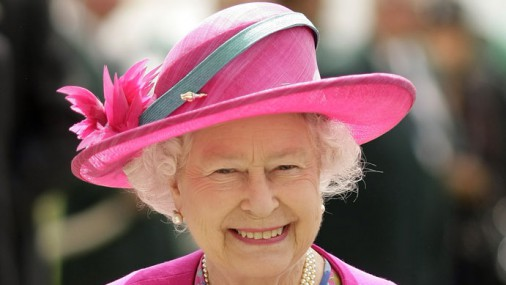 Разноцветный гардероб Елизаветы II