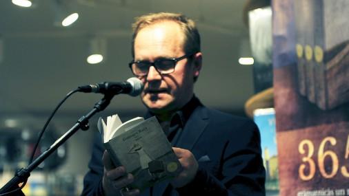 """Guntara Rača dzejoļu grāmatas """"365"""" atvēršanas svētki"""