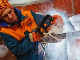 Ledus skulptūru tapšanas process Jelgavā