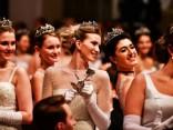 Aizvadīta greznā Vīnes operas balle