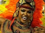 Foto. Riodežaneiro karnevāls uzņem apgriezienus