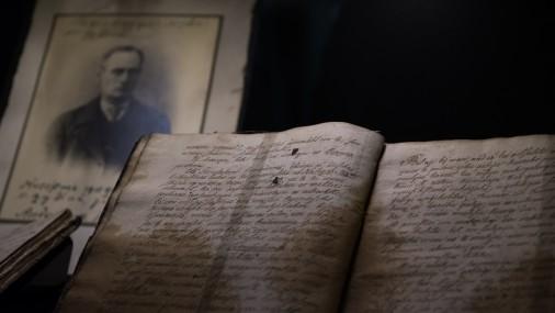 """LNB turpinās seno rokrakstu izstāde """"Laiku atspulgi senos manuskriptos"""""""