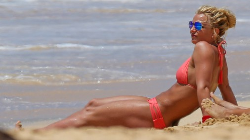 Бритни Спирс показала фигуру на Гавайских островах