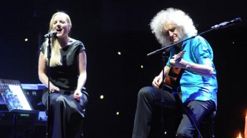 """""""Queen"""" ģitārista Braiena Meija un dziedātājas Kerijas Elisas koncerts"""