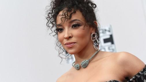 Amerikāņu R&B dziedātāja Tinašē (Tinashe)