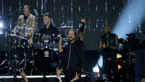 Pearl Jam, Yes, ELO uzņemti Rokenrola slavas zālē