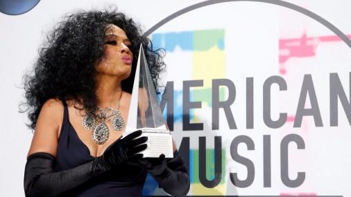 Pasniegtas «Amerikas mūzikas balvas»