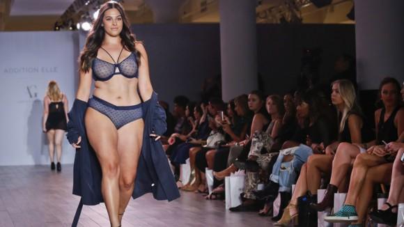 Модель plus size Эшли Грэм