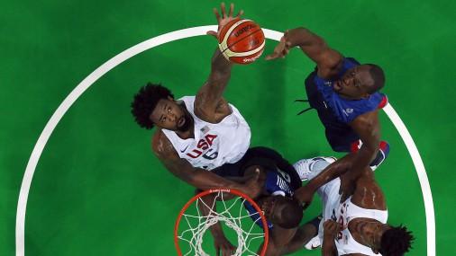 Баскетболисты США переиграли Францию