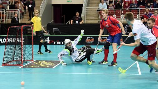 Флорболисты в важном матче против Норвегии не удержали побду