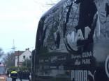 Čempionu līgas spēles eksplozijā cietis Dortmundes «Borussia» autobuss