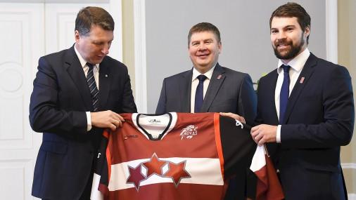 Valsts prezidents tiekas ar Latvijas hokeja izlasi