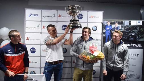Домой вернулись чемпионы мира по бобслею и скелетону