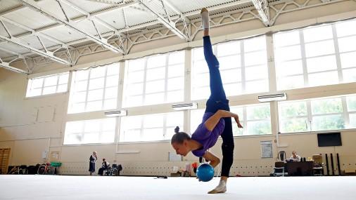 Белорусская художественная гимнастка Мелитина Станюта