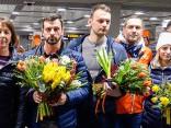 Mājās svinīgi sagaidīta Latvijas skeletona komanda