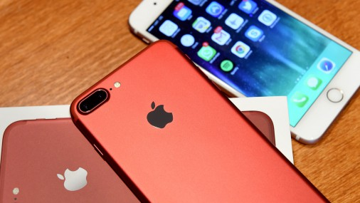 LMT sāk tirgot sarkanos iPhone 7