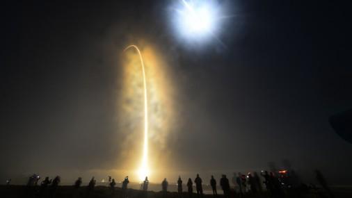 Atkārtoti izmantojamās nesējraķetes «SpaceX Falcon 9» starts