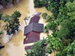 Наводнения и обрушения земли в Шри-Ланке