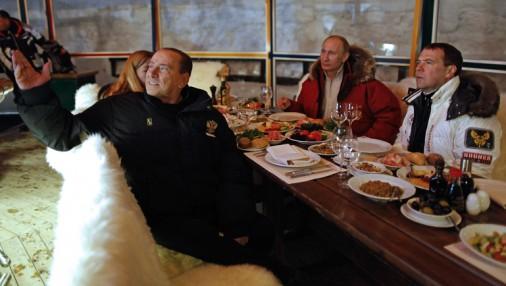 Berluskoni ciemojas Krievijā