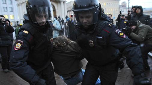 Maskavā notiek protesta akcija pret iebrukumu Ukrainā