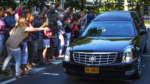 Тысячи людей в Нидерландах встретили жертв Boeing 777