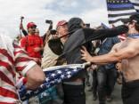 Столкновения на демонстрации Трампа в США
