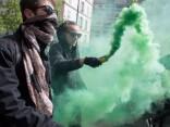 Во Франции молодежь протестует против обоих кандидатов в президенты