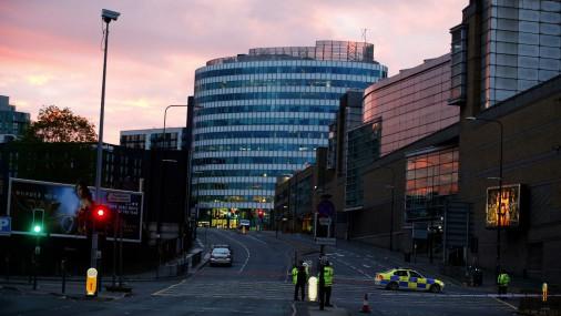 Утро после кровавой ночи в Манчестере