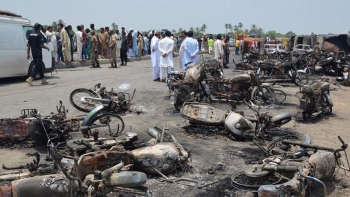 Взрыв автоцистерны в Пакистане