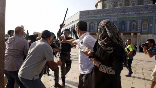 Столкновения в Иерусалиме возле святых мест