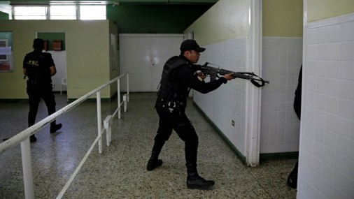 Bandītu uzbrukums slimnīcai Gvatemalā