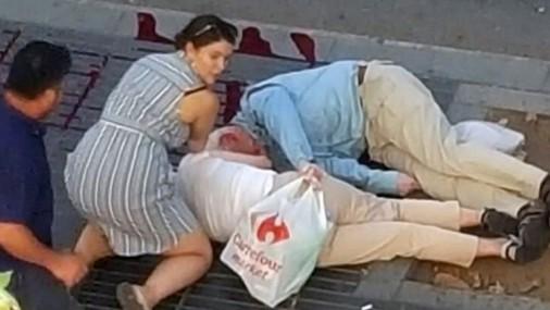 Terors Barselonas ielās (brīdinām, nepatīkami skati!)