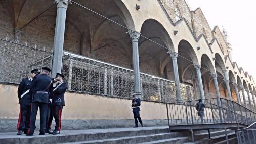 Florencē tūristu nogalina krītošs baznīcas fasādes fragments