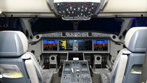 """""""airBaltic"""" prezentē pirmo saņemto ''Bombardier'' CS300 lidmašīnu"""