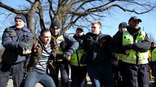 Во время шествия легионеров полиция задержала двух мужчин