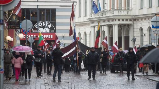 Шествие и возложение цветов у памятника Свободы в честь Дня памяти жертв коммунистического геноцида
