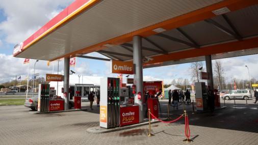 """Ulmaņa gatvē atklāj pirmo """"Circle K"""" degvielas uzpildes staciju"""