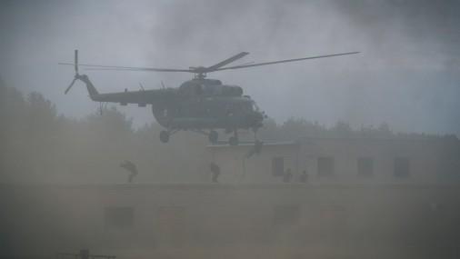 Latvijas karavīri trenējas Baltijas lielākajās speciālo operāciju mācībās