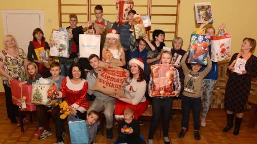 TVNET lasītāji sagādā prieku ģimenes atbalsta centra «Zīļuks» bērniem