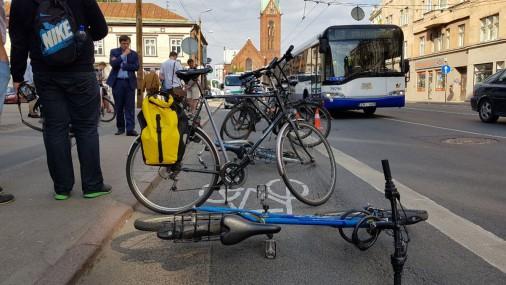 Ночью на улице Бривибас появилась несанкционированная велополоса
