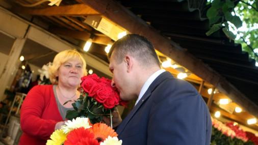 Шлессер на цветочном рынке