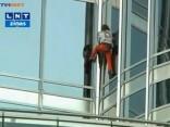 """""""Zirnekļcilvēks"""" uzstāda rekordu Dubaijā"""