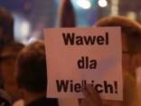 Polijā turpinās strīdi par prezidenta apbedīšanu