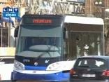 Rīgas ielās izbrauc pirmais zemās grīdas tramvajs