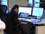 Desmitiem pusaudžu traucē policijas darbu, jo domā, ka viņu sarunas noklausās