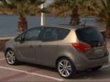 Auto ziņas Hamburgā testē jauno Opel Meriva