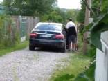 Ivars Bičkovičs ar darba auto apmeklē vasarnīcu Aizkrauklē