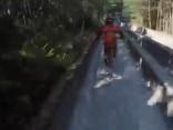 Ekstrēmās izklaides pamestā bobsleja trasē